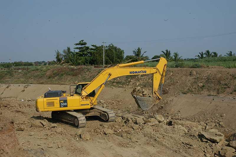 Komatsu Hydraulic Excavators - Construction & Mining Equipment India