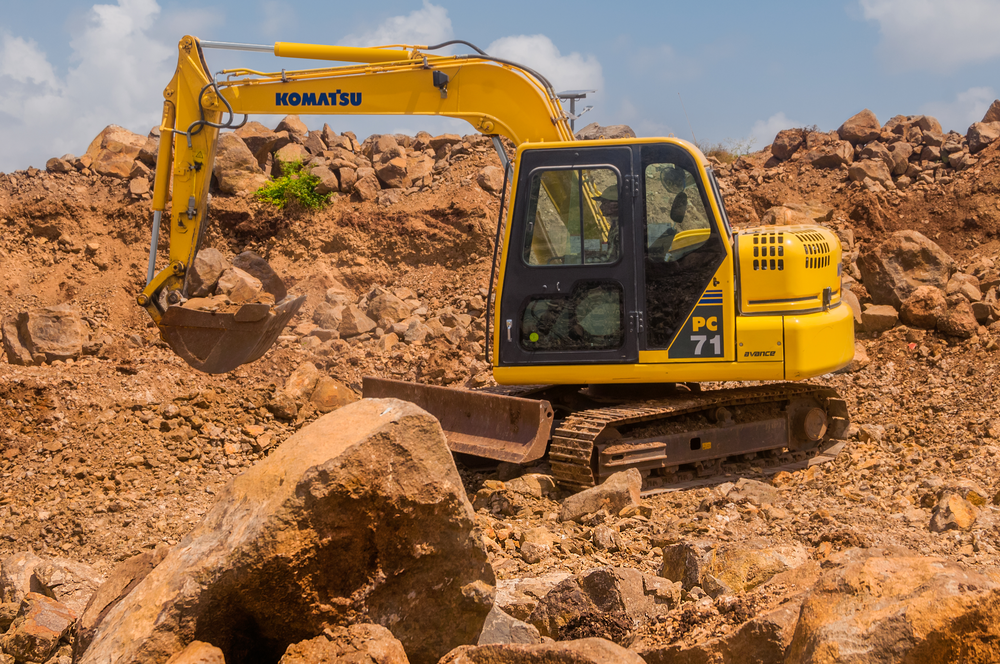 Buy Construction & Mining Equipment in India | L&T