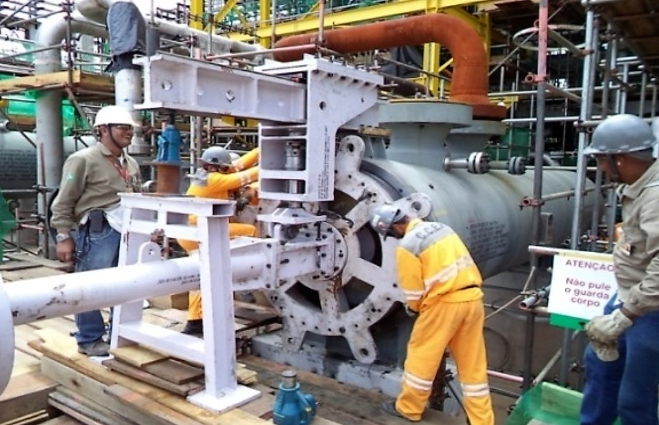 Overhauling of High Pressure Heat Exchangers -  Removal of thread lock ring, cleaning and inspection of tube bundle , hydro-jetting